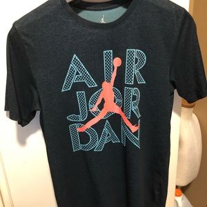 Air Jordan T-shirt Size Medium dark green